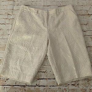 🧸5/$25 Ny&Co metallic cream shorts